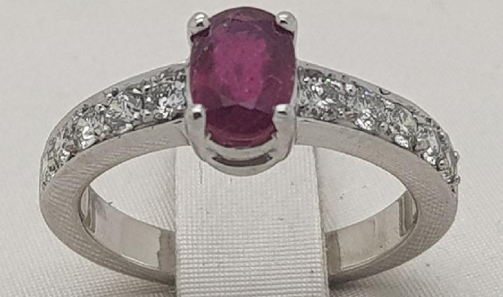 anello-incastonatura-incassatura-rubini-brillanti-laboratorio-orafo-roma-flambojan