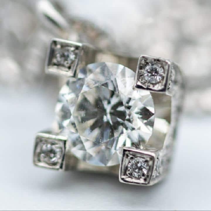 punti-luce-collana-orecchini-diamanti-oro-bianco-emozioni-gioielli-laboratorio-orafo-roma-flambojan
